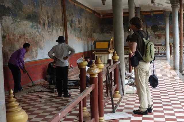 Craftsmen working at the Royal Palace