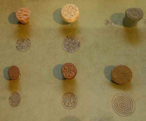 Minoan seals were made of stone, bone, elephant or hippopotamus tooth. We liked seeing the imprints of each seal in the display.