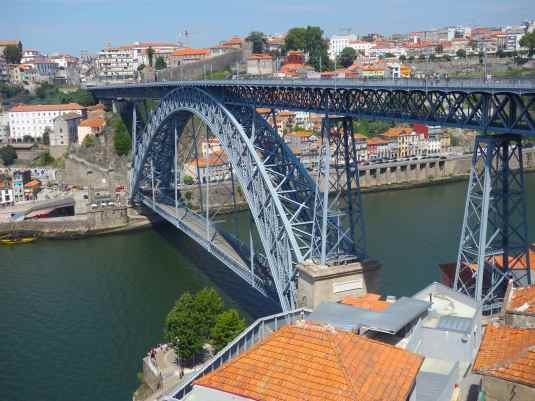 The Ponte Luis I bridge spans the Douro River. The engineer who designed it, Téophile Seyrig, was a partner of Eiffel's.
