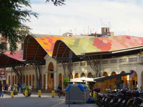 We didn't expect to see a colorful roof like this so we detoured to read the signs.