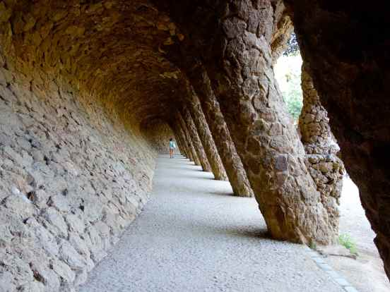 """The Portico of the Laundress is a """"colonnaded pathway where the road projects out from the hillside, with the vaulting forming a retaining wall which curves over to support the road, and transmits the load onto sloping columns"""". (Thanks to Wikipedia for that explanation.)"""