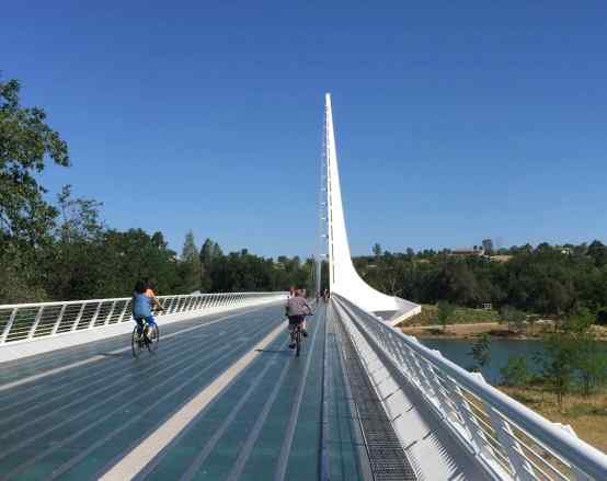 We studied the map for a late morning hike and saw one right off the highway. What a surprise to walk across Sundial Bridge in Redding to reach the hiking trail!