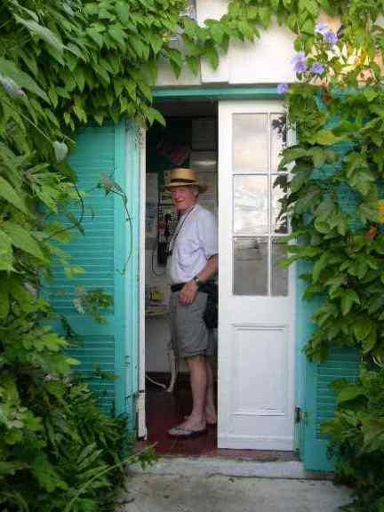 SSCN0382-Joe in door