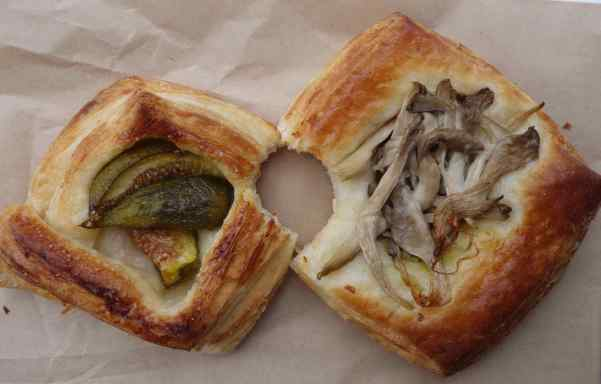 P.S. We made it to Fry's Red Wheat Bakery the next day and sampled a savory Danish pastry with oyster mushroom on hazelnut pesto and a sweet Danish pastry with fig on vanilla crème. Both were very, very good.