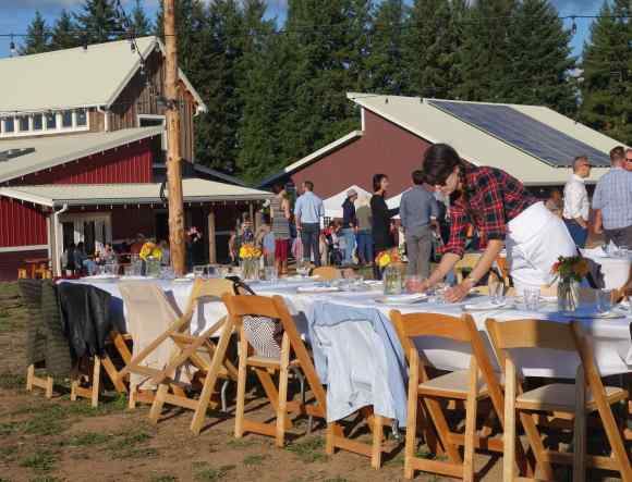 Guests gathered for drinks and appetizers while the long rows of tables were readied for the dinner.
