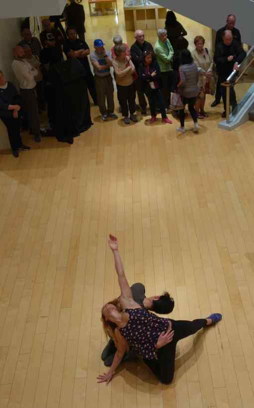 As we were browsing through the upper galleries, music began to play. Visitors on the ground floor circled around and visitors on the upper floors moved to the railings. Everyone watched a local dance company performance in the open space.