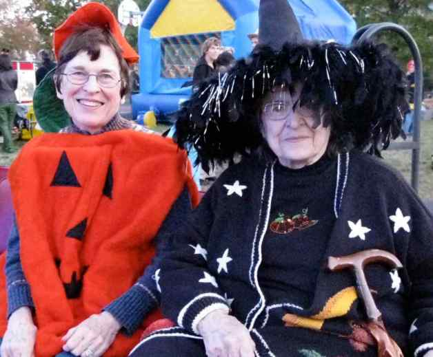 Halloween, Arlington, Virginia, 2008: We're happy for those festive occasions – like Halloween and parades - when folks have gone to great lengths to dress in costume and are happy to have their effort rewarded with a photo taken.