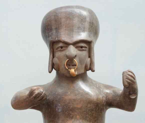 The Manteño-Guancavilca civilization was the last of the pre-Columbian civilizations and was never conquered by the Incas. They lived on the coast near the present-day city of Manta. They were deep-sea divers of Spondylus, which they traded with the Incas. 1100 CE-1520 CE https://en.wikipedia.org/wiki/Spondylus
