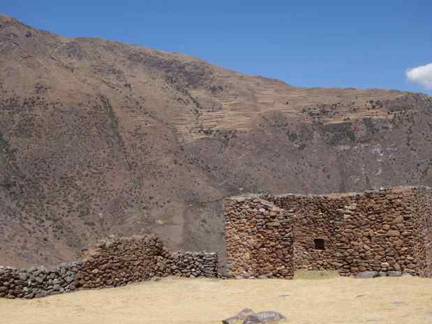 Pumamarca's purpose, overlooking valleys and with an amazing view of the surrounding mountains, was probably a defensive stronghold for the Inca site at Ollantaytambo.