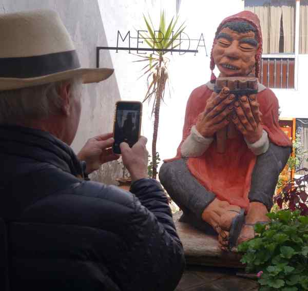 We visited the studio of the late Cusco sculptor, Edilberto Mérida, with our cousins, Susie and Tom. His subjects are mostly peasants with large feet and hands. We made our own very small purchase on the visit: a small clay hand.